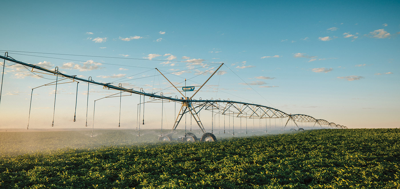 valley drive train for center pivot irrigation system
