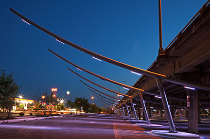 Valmont-Custom-Project-Longhorn-Bridge-Lighting