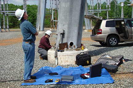 Valmont-Pole-Inspection-Services-Men-Working