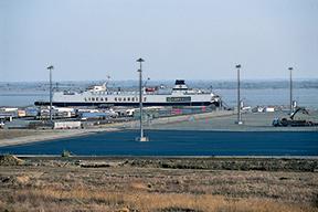 Valmont-Terminal-Facility-Lighting-HighMast-International