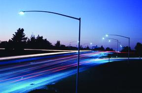 Valmont-Traffic-Highway-Lighting-Standard-long-arms