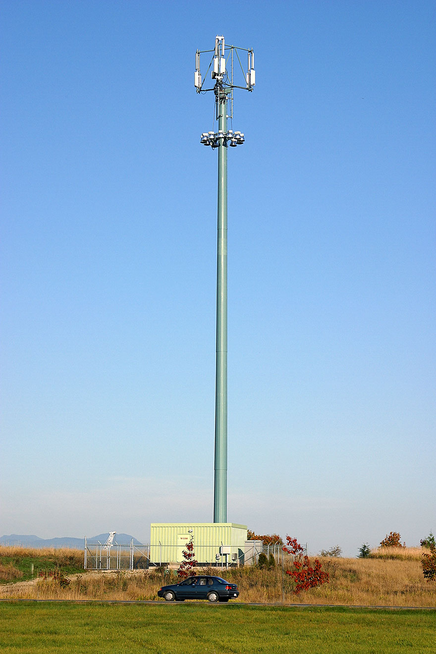 Valmont Structures Canada Monopole Towers for Wireless