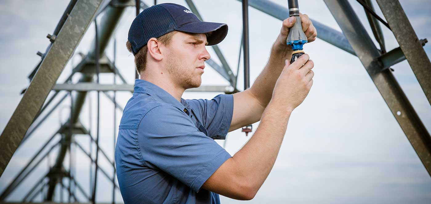center pivot irrigation maintenance tips - dealer service personnel